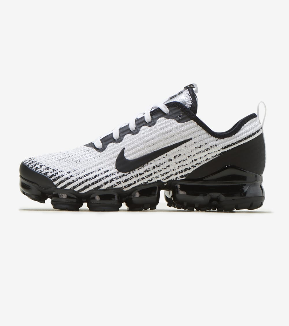 Nike Air Vapormax FK 3 Shoes in White