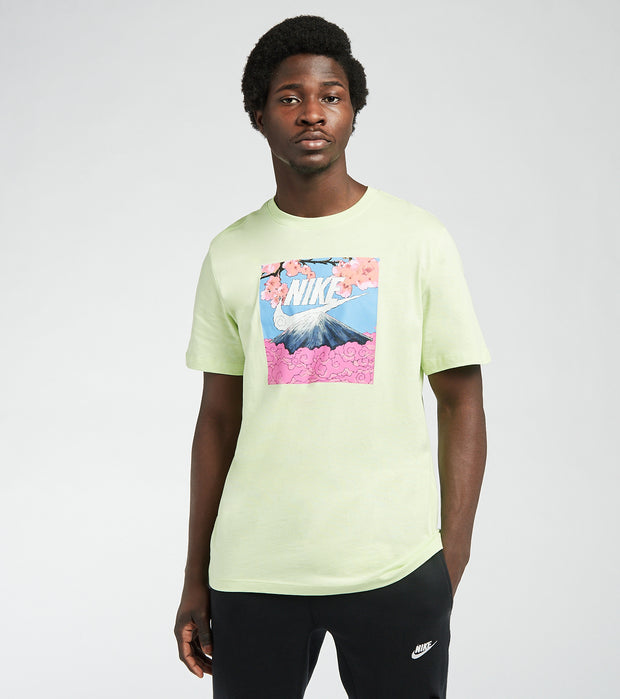 Nike  NSW Manga Photo Tee  Green - DB6153-383 | Jimmy Jazz