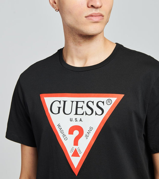 Guess  Classic Triangle Logo Tee  Black - M74391K5511-JBLK | Jimmy Jazz