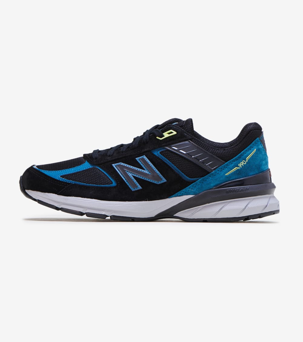 New Balance 990 V5 Shoes in Black Size