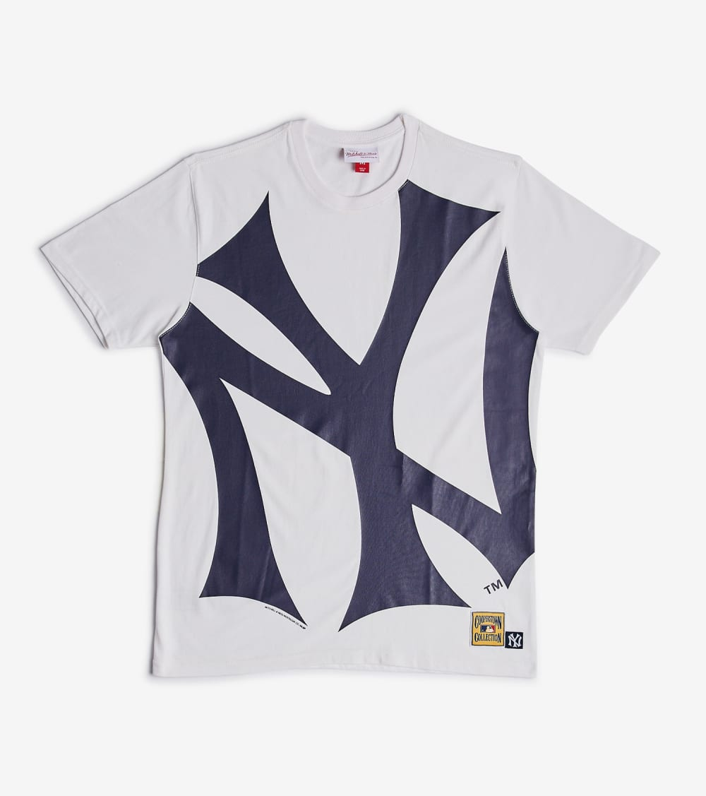 Mitchell And Ness  Big Face Yankees Tee  White - SSTEBW19078NYY-WHT | Jimmy Jazz