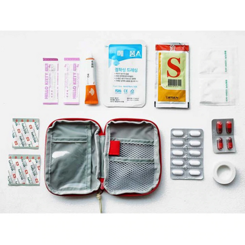Medic Bag Dispay of Medicine