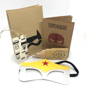 The Eco Party Place Superhero plastic free party bag - Wonder Woman
