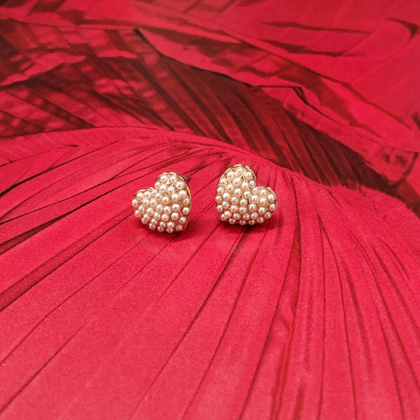 Adorable Mini Pearls Heartshaped Earrings