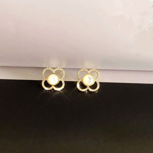 Audrey Clover Flower Earrings