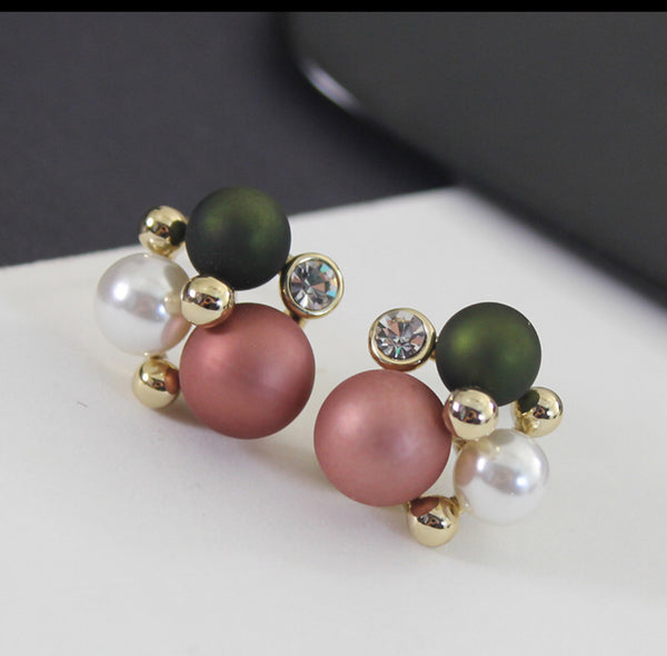 Bauble Pearls Earrings