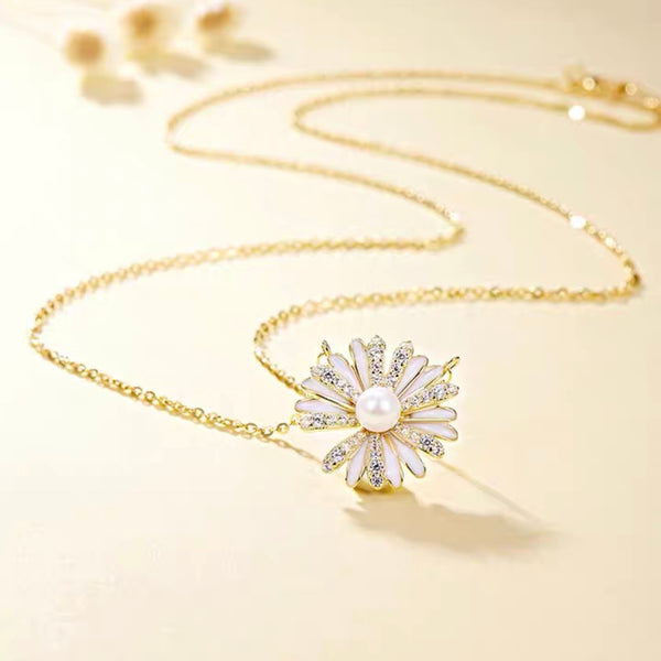 Audrey Flower Necklace