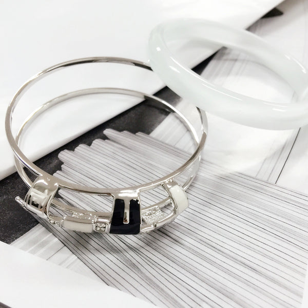 Elegant Two-Way Moonstone Bangle