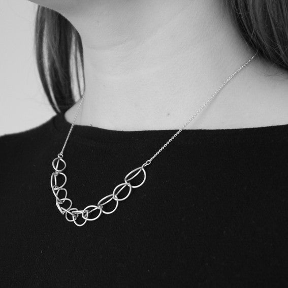 Lily 10-link Necklace