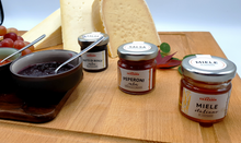 Load image into Gallery viewer, Snacking Cheese Gift Box