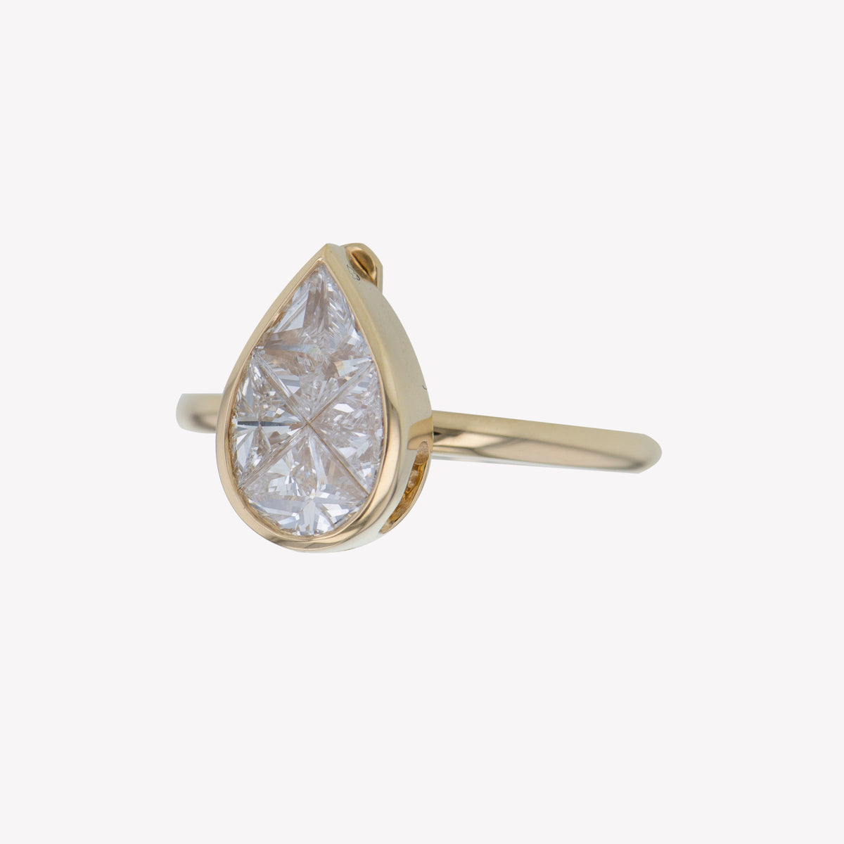 Detachable Yellow Gold Pear Head with Round Band