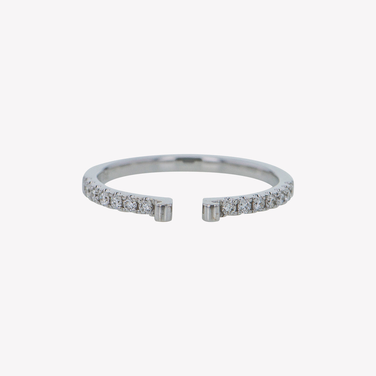 White Gold Round Diamond Clip Band
