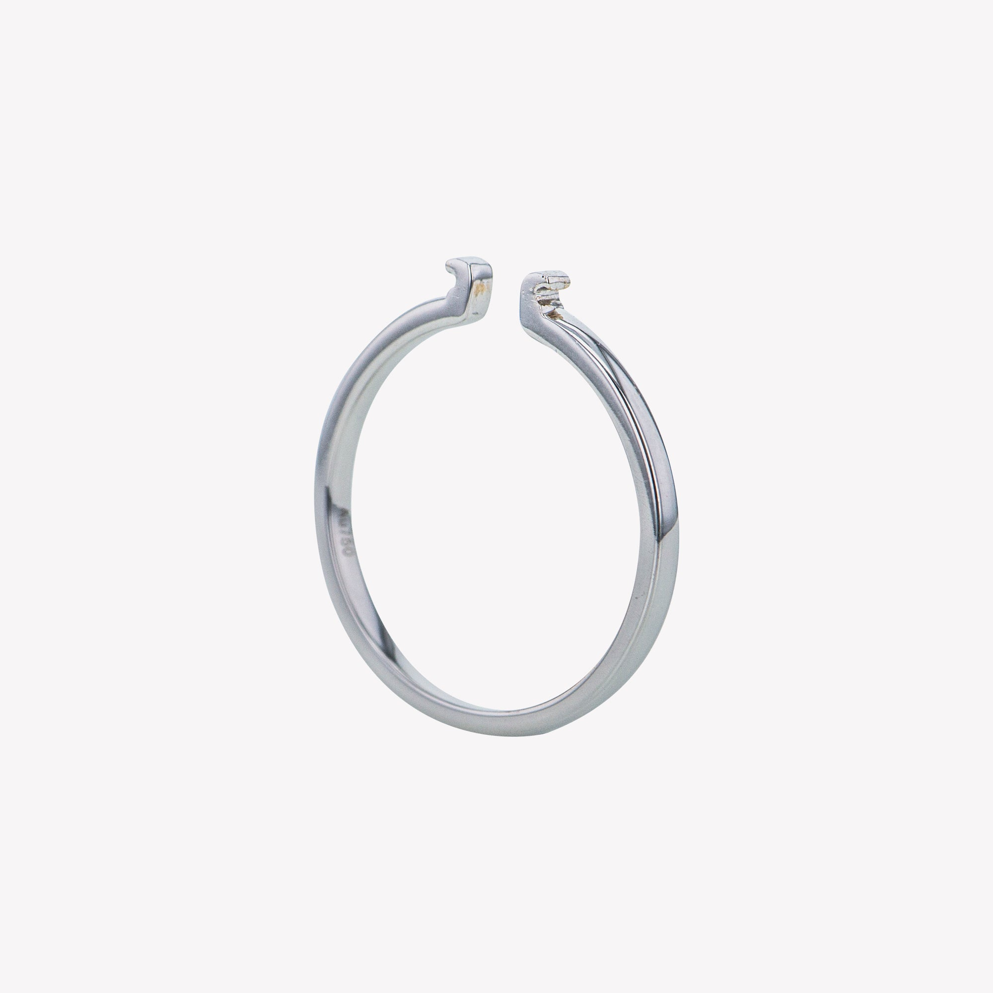 White Gold Round Clip Band