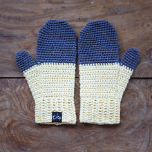 Load image into Gallery viewer, Dip Dye Mittens Organic Cotton