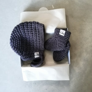 New Baby Gift Set - Bonnet And Booties