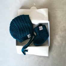 Load image into Gallery viewer, New Baby Gift Set - Bonnet And Booties-EKA