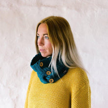 Load image into Gallery viewer, teal organic cotton cowl