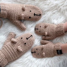 Load image into Gallery viewer, brown bear mittens mummy and me