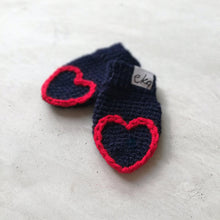 Load image into Gallery viewer, Fingertip Heart Mittens For Baby And Child