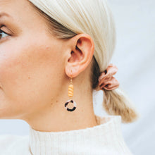 Load image into Gallery viewer, ELVIE Earrings