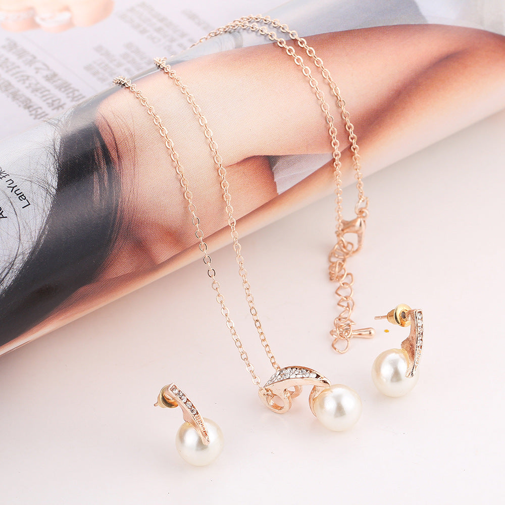 2-piece faux pearl necklace set