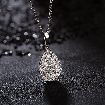 Drop-shaped necklace