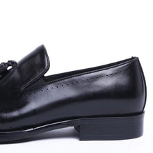 Load image into Gallery viewer, Effron Goodyear Welted Black Tassel Loafer