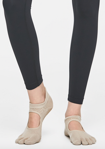 MULAWEAR BEIGE PILATES FT SOCK