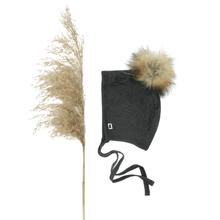 Load image into Gallery viewer, BRIMLESS BONNET WITH POM POM