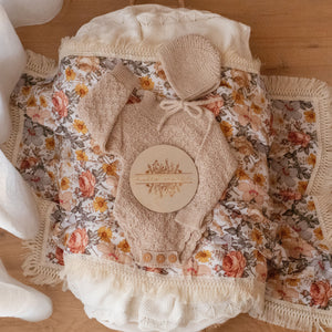 PEACH FLORAL DOUBLE GAUZE SWADDLE WITH NATURAL FRINGE