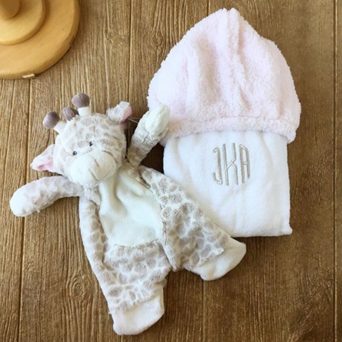 Little Giraffe Towel Light Pink