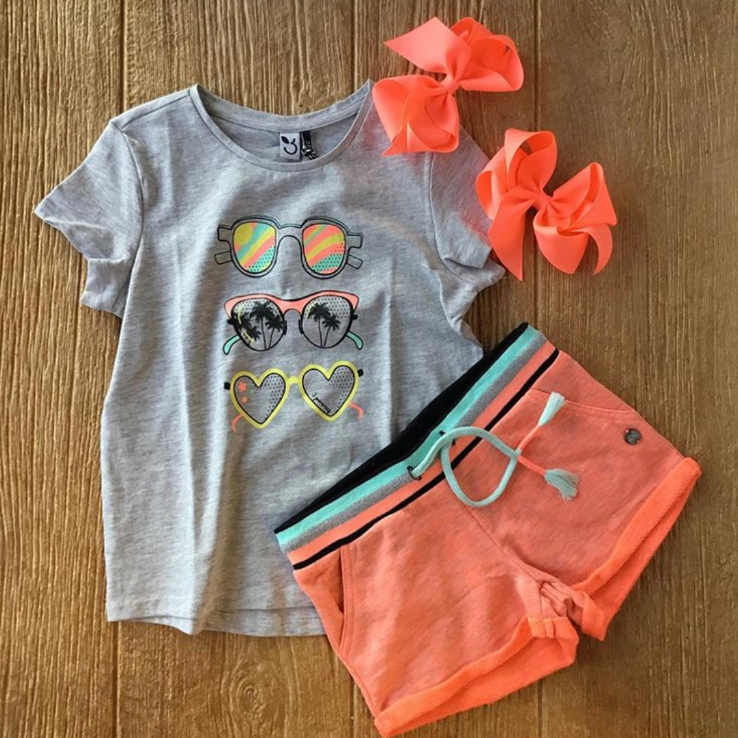 3Q 10994 240 Grey Tee Shirt with Sunglasses
