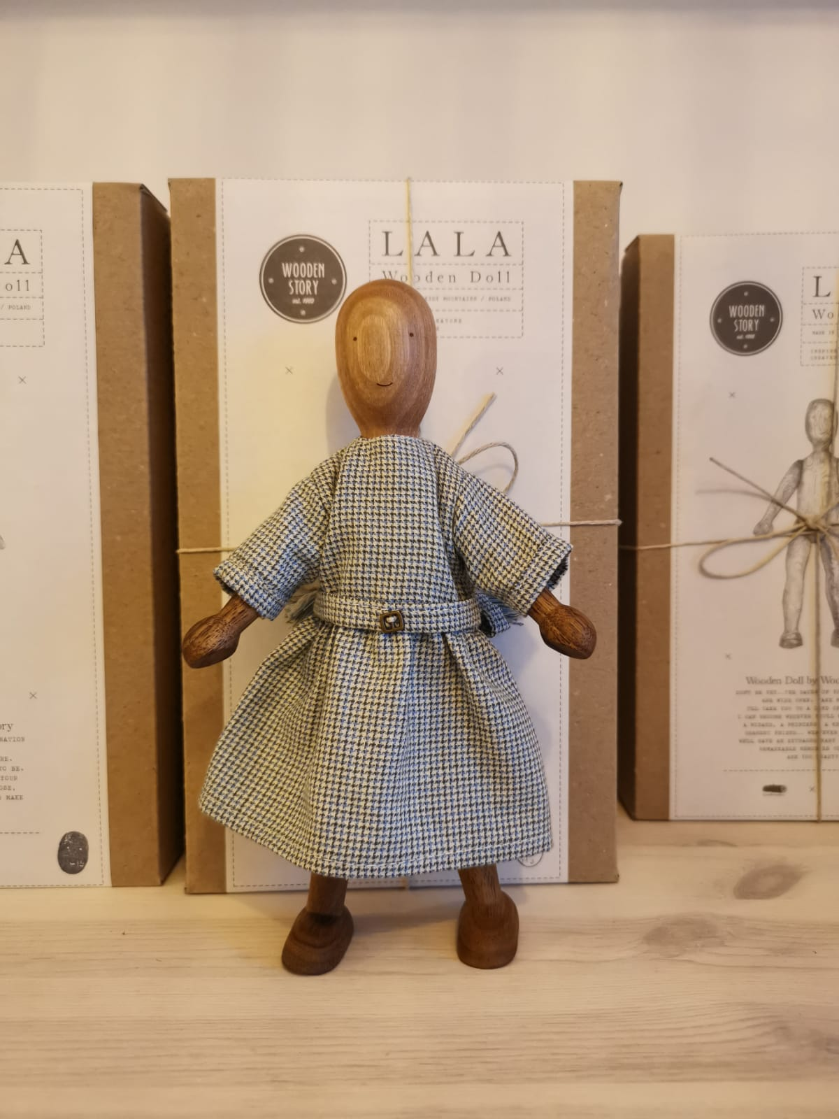 Doll with dress - Wooden Story