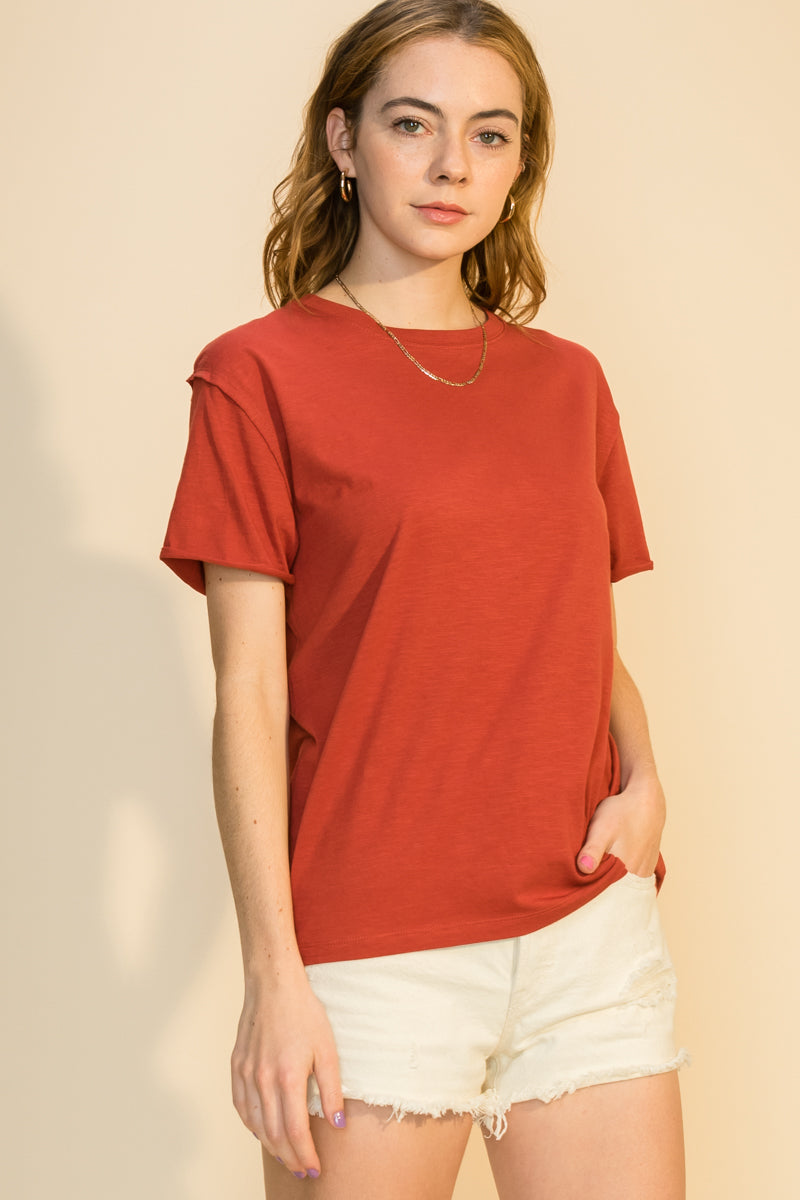 CREW NECK LOOSE FIT T SHIRT WITH RAW CUT DETAILS