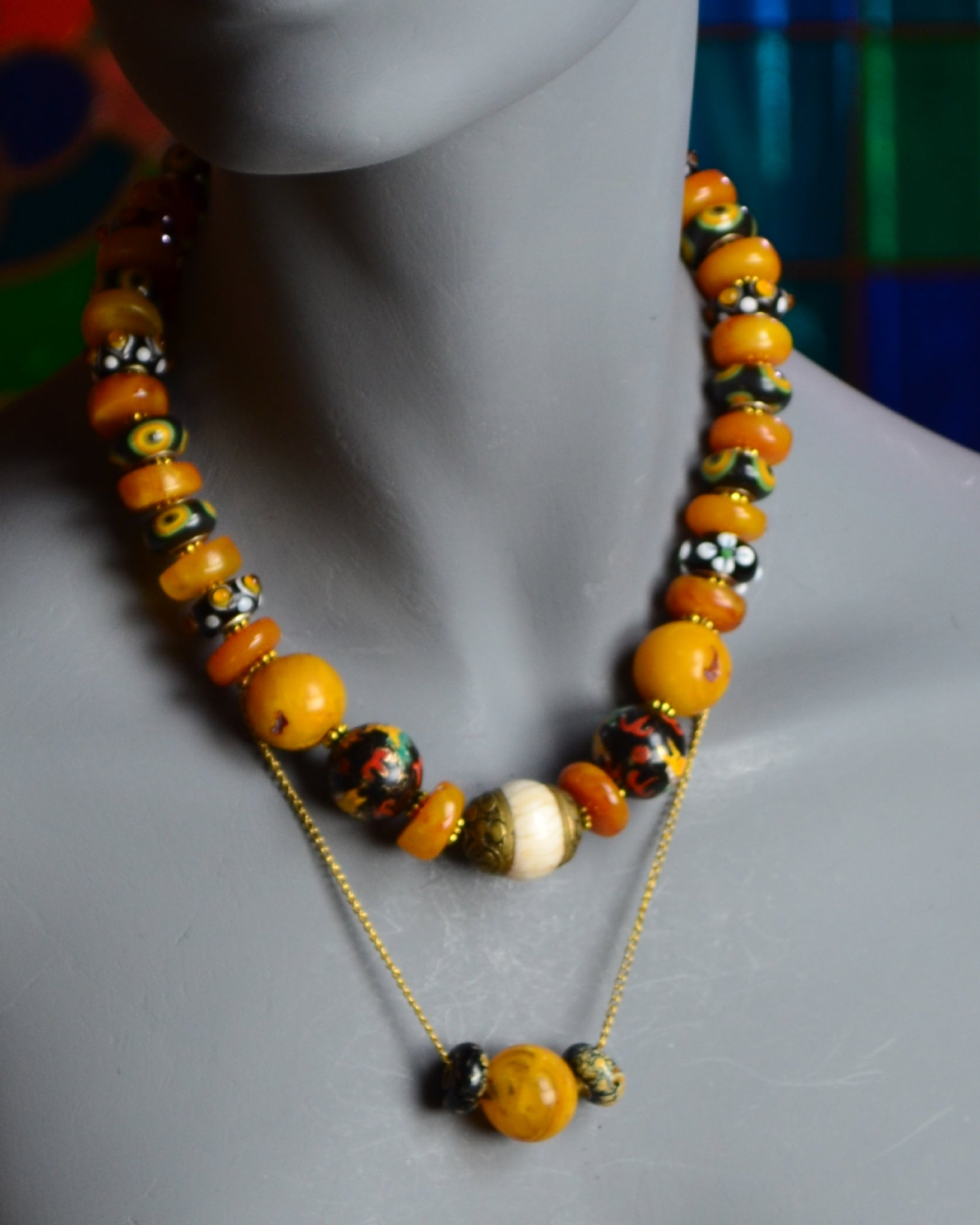 Yellow, the color of the mind and intellect, is optimistic and cheerful;                                                     and wearing yellow makes you look and feel optimistic. So when you are down, put on this yellow necklace and buck yourself up.
