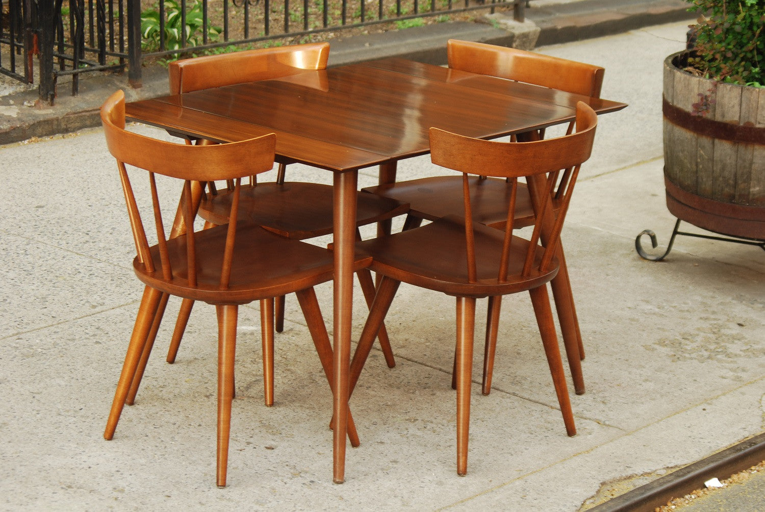 ... SOLD    PAUL MCCOBB COMPACT DINING SET WITH TWO LEAVES AND FOUR CHAIRS  ...
