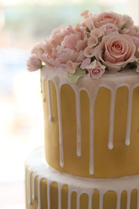 Dreamy Roses Cake