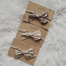 Load image into Gallery viewer, DAISY Headband Bow in Blush