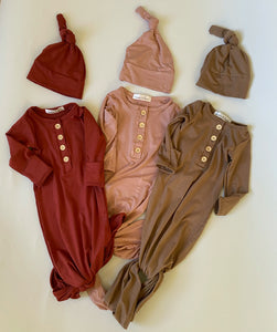 WILLOW Knotted Baby Gown and Hat Set - Mocha