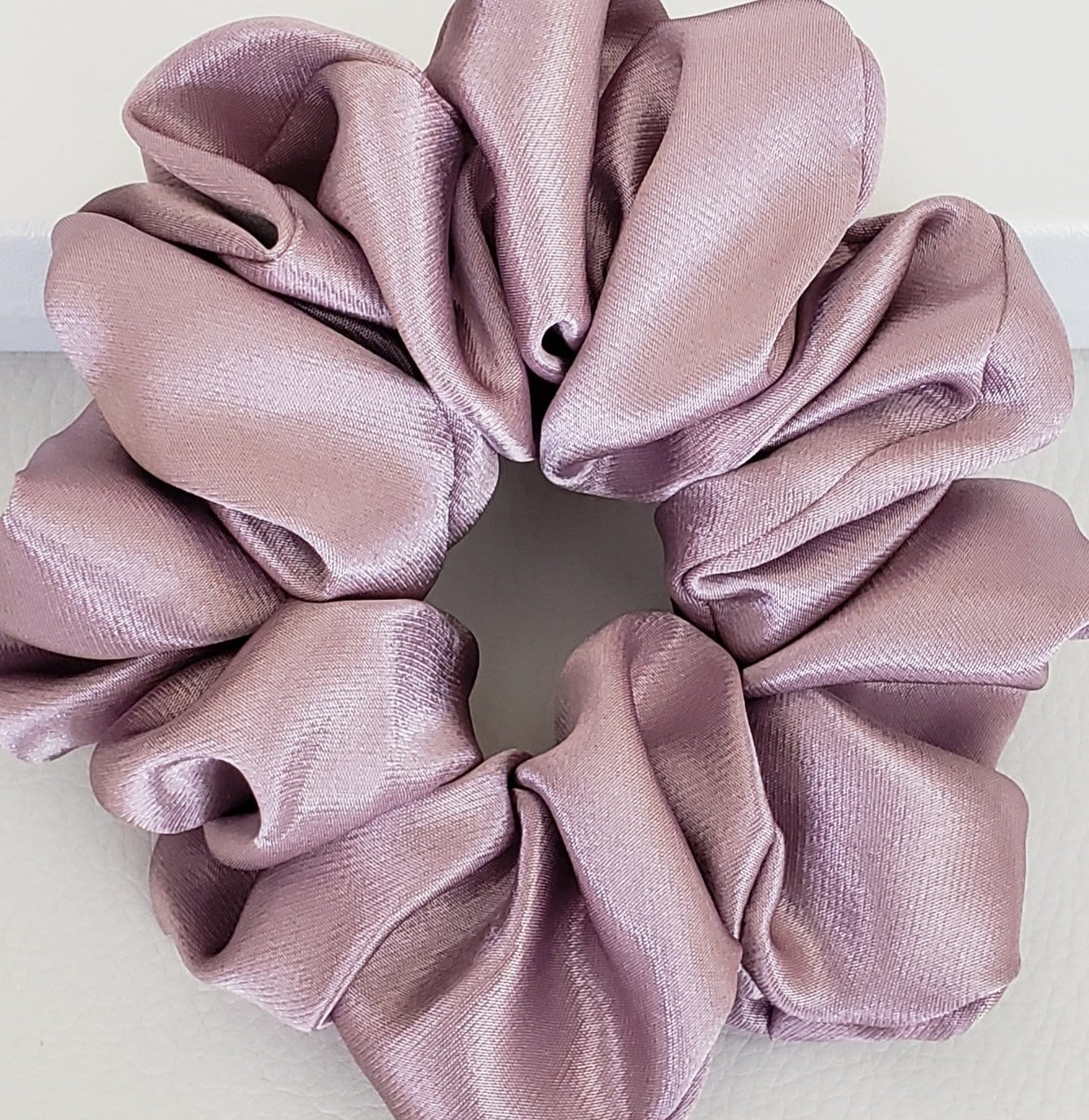 100% Mulberry Silk Lavender Scrunchies - Fashion Mode Gallery