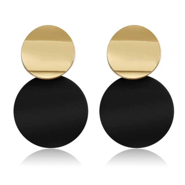 Classy Lady Earrings in Black & Gold - Fashion Mode Gallery