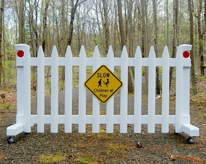 6 ft Free-standing Driveway Gate