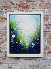 Afbeelding in Gallery-weergave laden, Small Blue Garden