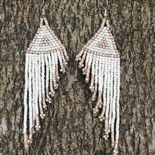 Load image into Gallery viewer, Quetzal Tail Earrings