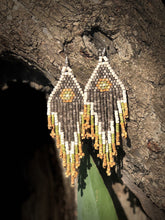 Load image into Gallery viewer, Tikal Spot Earrings