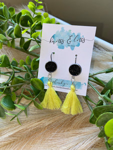 Yellow Tassel with Black Glitter Vinyl Resin Hooks