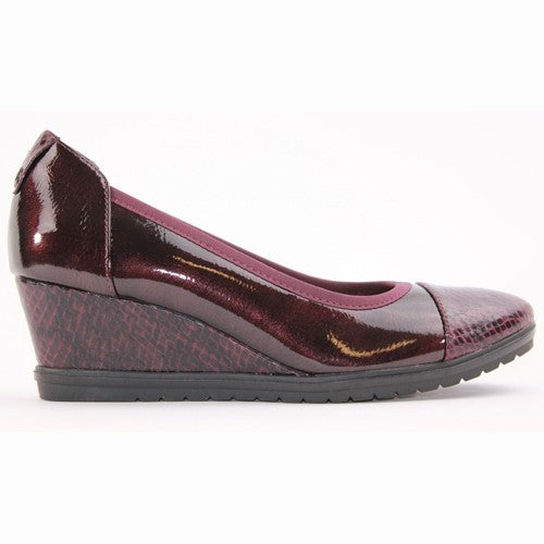 Tamaris Wedge Shoe - 22472-23 - Burgundy Patent