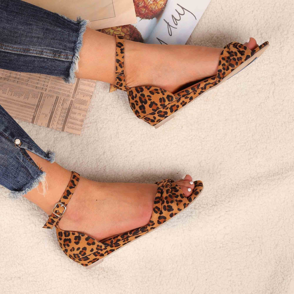 Sofiawears Casual Leopard Adjustable Buckle Sandals