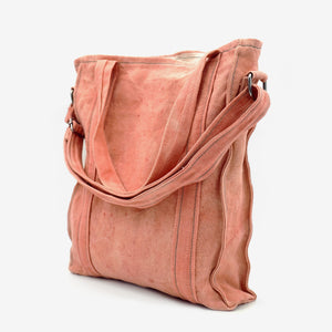 Naturally dyed root red city bag handcrafted by BAGABÙ and DYGO.STUDIO