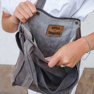 Naturally dyed cone grey city bag handcrafted by BAGABÙ and DYGO.STUDIO